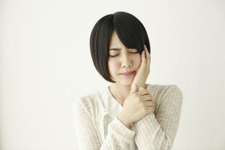 虫歯の原因は何でしょうか?